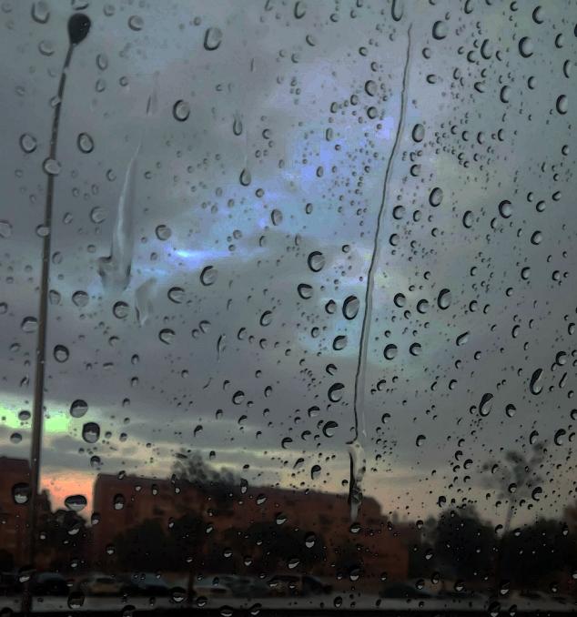 Llueveyduele.jpg